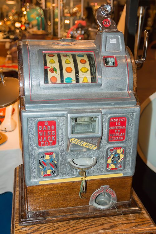 The First Slot Machine Was Invented In What Year